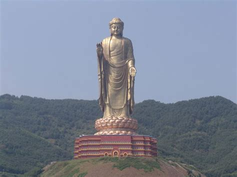 el buda gigante de lushan china