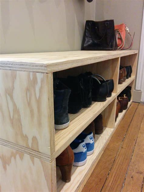 Fabriquer Un Meuble à Chaussures En Bois by Le Banc Pour Ranger Les Chaussures Dans L Entr 233 E Fait Par