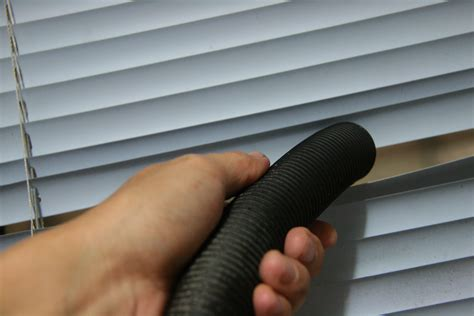 how to clean curtain blinds 6 ways to clean a venetian blind wikihow