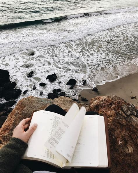 urlaub in skih tte reading by the sea bookstagram aesthetics hipsters