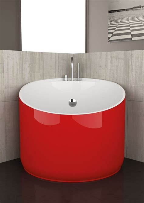 tiny bathtubs mini bathtub ideas for small bathrooms