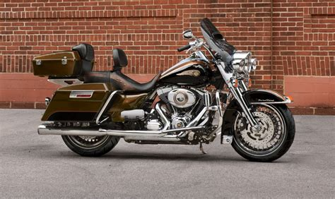 Harley Davidson Road King 2015 STD   Price, Mileage