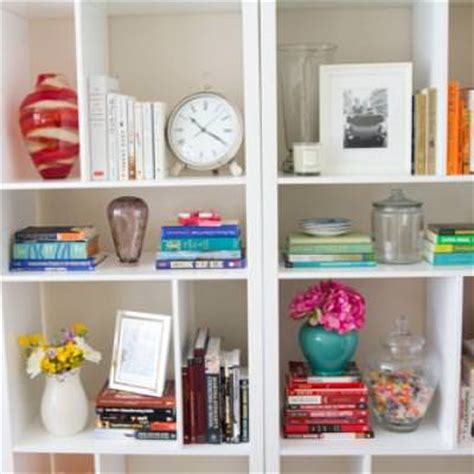 bookshelf decor bookshelf decor tip junkie