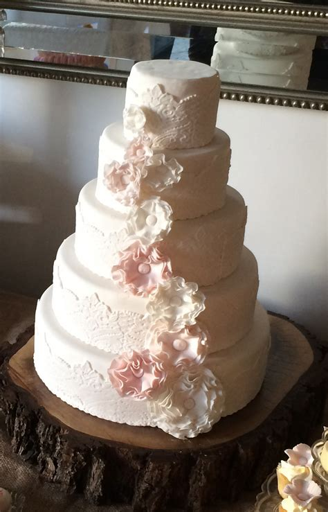 make a wedding cake how to make a vintage lace wedding cake