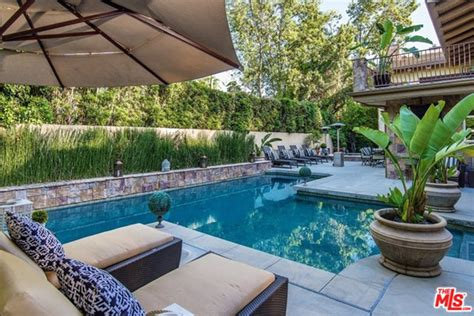Minnillo And Nick Lachey Hit The Pool by Nick Lachey And Minnillo List House In Encino Ca