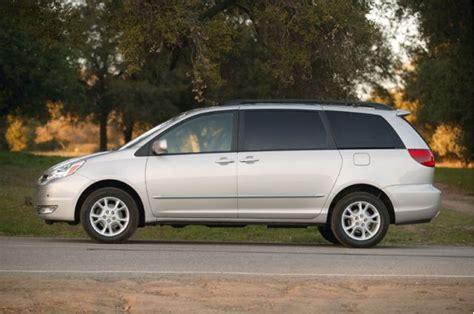 2005 Toyota Recalls Toyota Recalls 615 000 Minivans For Roll Away Issue