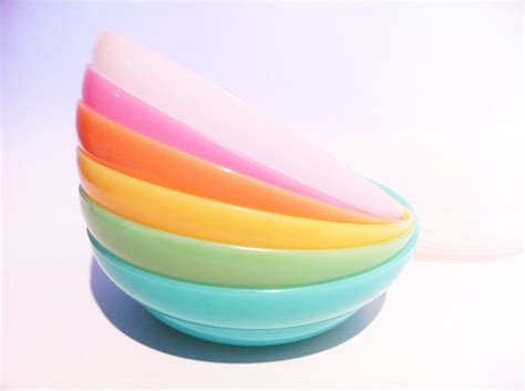 Tupperware Rainbow vintage rainbow pastels tupperware cereal bowls dishes