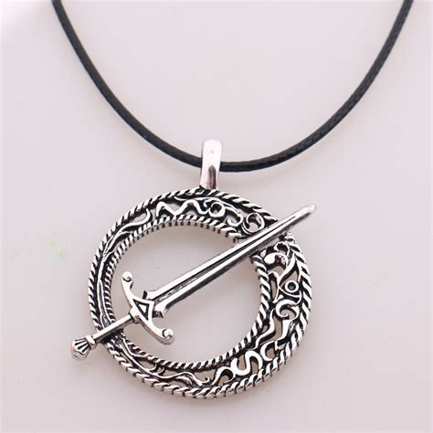 souls 3 blade of the moon pendant covenant