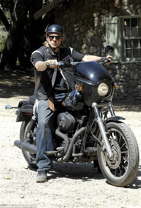 charlie hunnam cant shake his sons of anarchy alter ego as he charlie hunnam can t shake his sons of anarchy alter ego