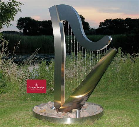 wasserspiel mit beleuchtung edelstahlbrunnen harfe mit beleuchtung p221 1