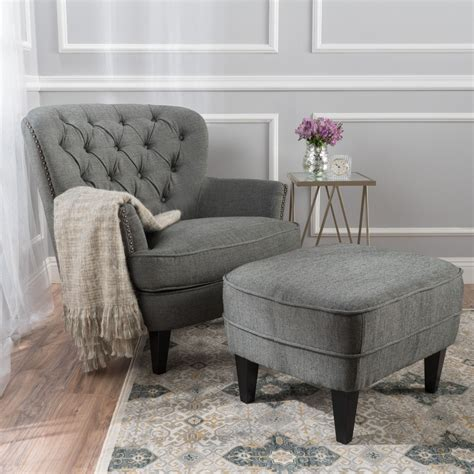 Rooms To Go Ottoman by Rooms To Go Fabric Wing Pattern Chair Stud With Ottoman