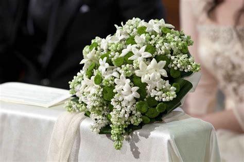 mazzo di fiori per sposa addobbi floreali chiesa regalare fiori fiori per la chiesa