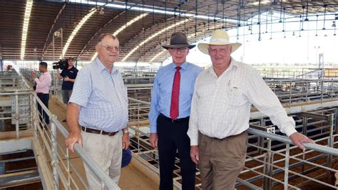 Of Wales David Mba General Management by Governor Stops At Livestock Exchange Parkes