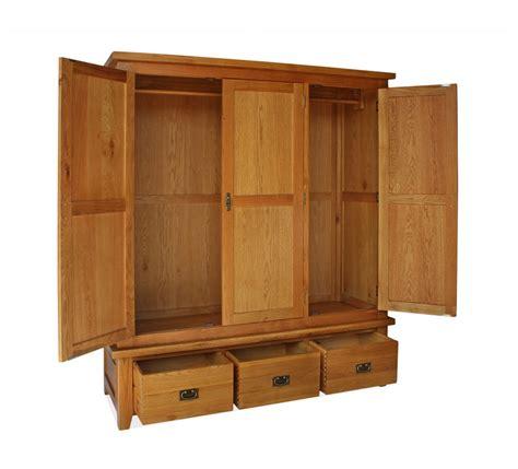 Canterbury Oak Bedroom Furniture Canterbury 3 Door 3 Drawer Wardrobe