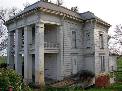 abandoned houses for sale abandoned plantation homes for sale decaying mansion abandoned plantation houses 1
