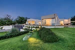 backyard architect modern luxury villas designed by gal marom architects
