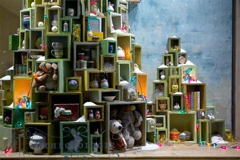black eiffel anthropologie christmas window displays 2010