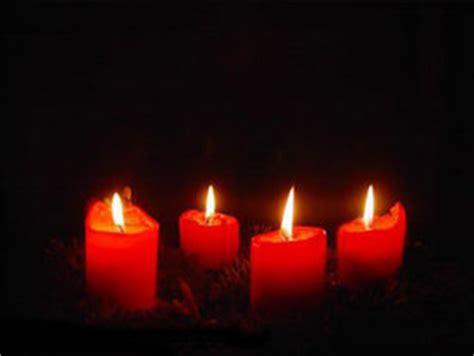 4 Bilder 1 Wort Adventskranz by Warum Der Advent Eigentlich Violett Und Rosa Sein M 252 Sste