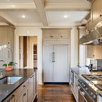 Light Taupe Kitchen Cabinets Design Ideas