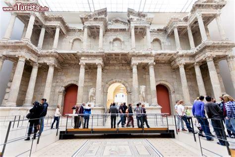 porta di mileto porta mercato di mileto siamo al pergamon foto