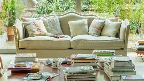 divani classici in stile dalani divani in stile provenzale per un salotto romantico