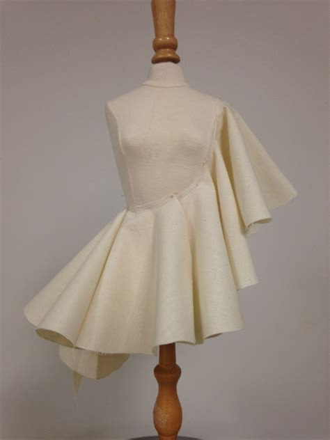 dress design draping draped with a circular piece of muslin fash 399