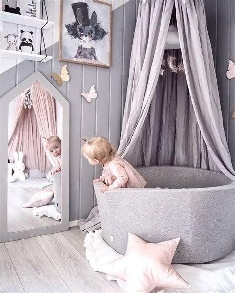 How To Organize Toys In Playroom by Best 25 Little Girls Playroom Ideas On Pinterest Kids
