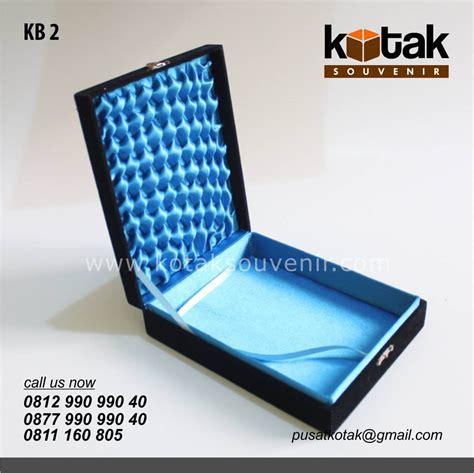 Kayo Kotak Souvenir Lake Blue kotak beludru eksklusif kotak souvenir