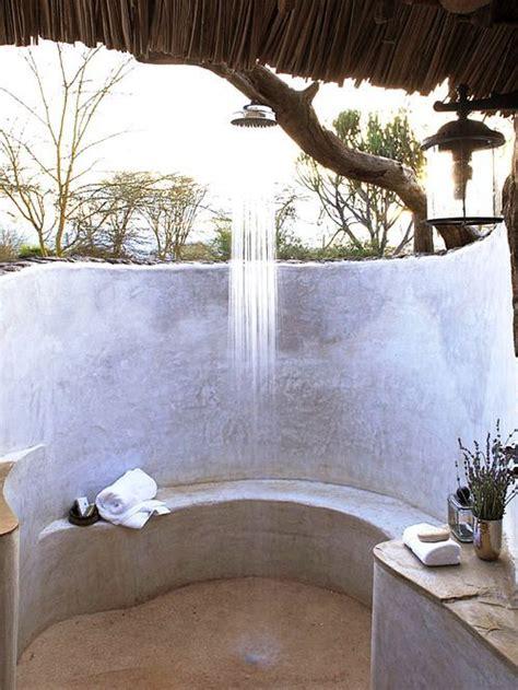 come fare una doccia rilassante oudoor shower 6 tipi di doccia per 6 tipi di persona