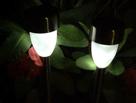 solar powered lights uk the best solar powered lights guide uk 2016