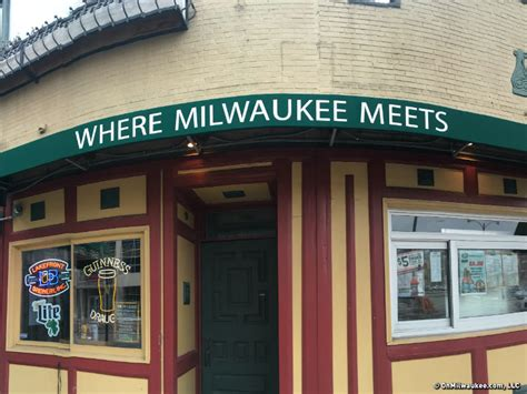 top bars in milwaukee water street bar guide onmilwaukee