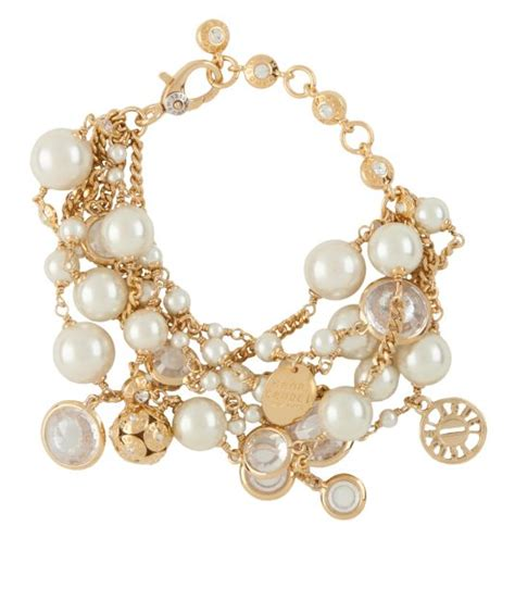 Trend Alert And Lean Pearls by Trend Alert 7 Modern Ways To Wear Pearl Jewelry Cool