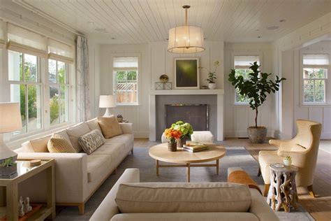 Farmhouse Chic Living Room by Modern Farmhouse Style A Bit Country A