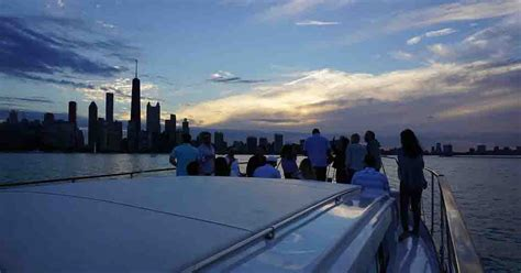 boat rides in chicago private chicago yacht rentals party boat charters dinner