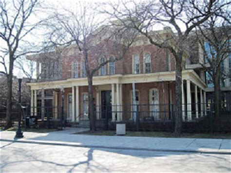 why did jane addams found hull house jane addams hull house biography facts contributions