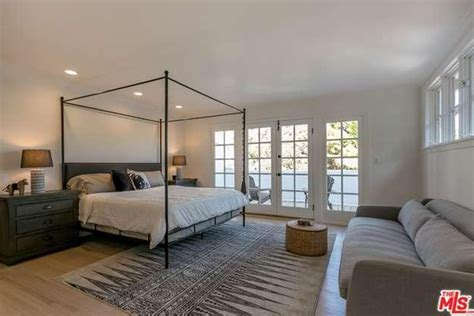 nate berkus bedroom take a tour of nate berkus s house that s now on the