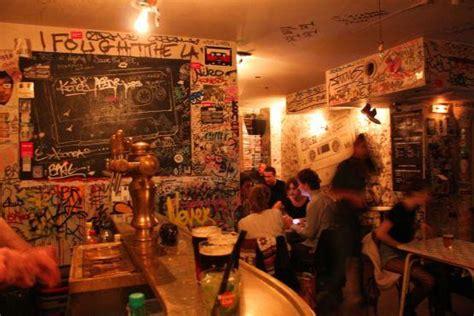 top bars in paris tape bar 21 rue de la roquette 11e nightlife time