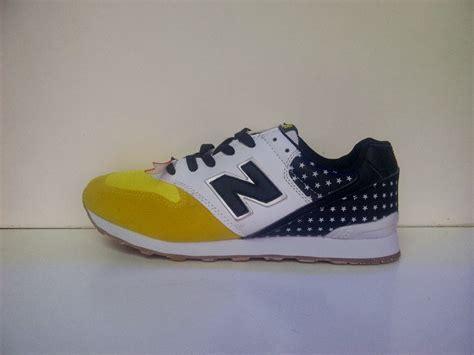 Harga Baru New Balance 996 new balance 996 s sepatu nike adidas vans