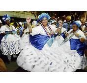 Baianas E Mascarados Agitam Carnaval Do Campo Grande