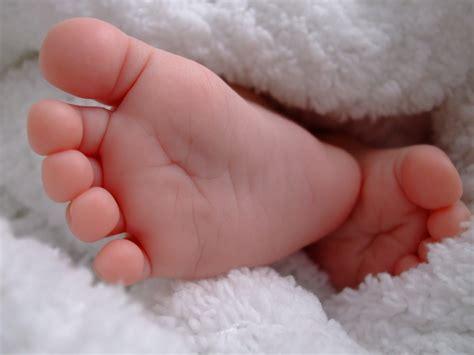 Tiny Baby Foot See Debt Run See Debt Run Baby Foot Images