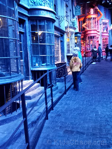 All Comments On Harry Potter Owned A Snow Owl This Is A - hogwarts in the snow harry potter warner bros studio tour