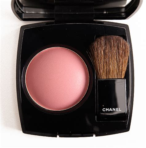 Chanel Joues Contraste Powder Blush chanel innocence 160 joues contraste powder blush review photos swatches