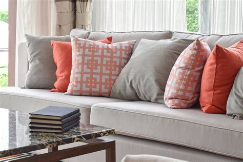 how to choose pillows for your sofa throws and pillows for sofas best 25 couch pillow