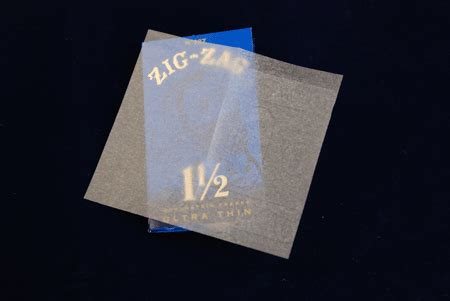 How To Make Thin Paper - zig zag 1 1 2 ultrathin rolling papers