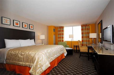 circus circus rooms circus circus hotel casino theme park cheap hotel rooms at discounted price at cheaprooms 174