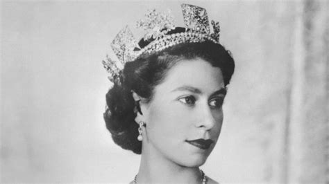 queen elizabeth hairstyles it s queen elizabeth s 91st birthday see vintage
