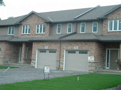 Forrent Houses by Beautiful 2 Story Town Homes For Rent In Welland Ontario
