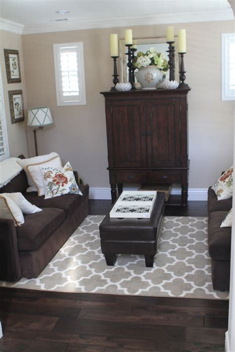 What To Put Furniture On Hardwood Floors by Best 25 Brown Furniture Ideas On Brown