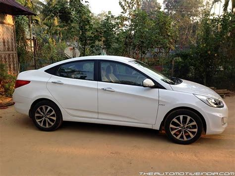Hyundai Fluidic Verna 1.6 VTVT SX (O) Coral White