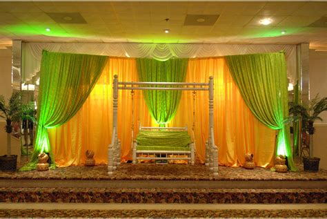 amazing mehndi stage decoration